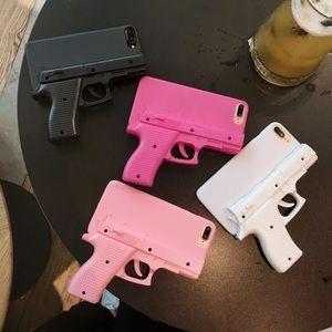Accessories - Gun IPhone Case 😍😍😍